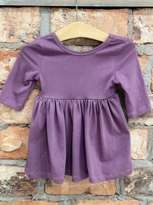 Solid 3/4 Sleeve Dress in Plum