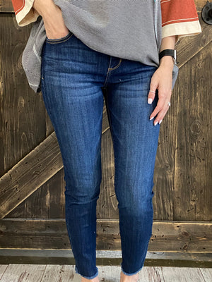 Mid Rise Frayed Hem Cropped Skinny Jeans