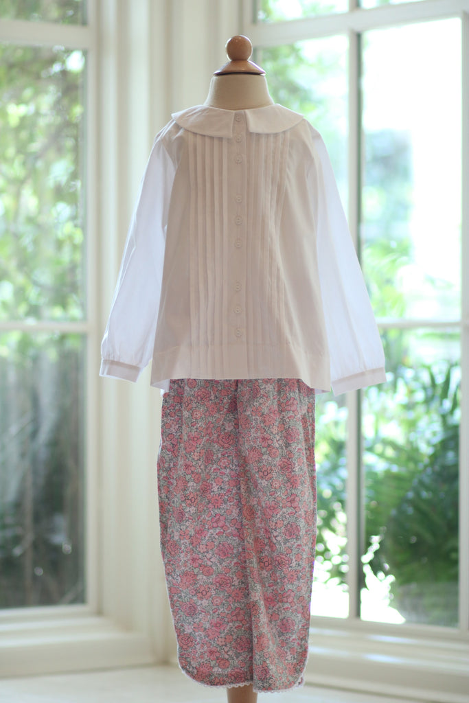 Roundneck Tuck Blouse