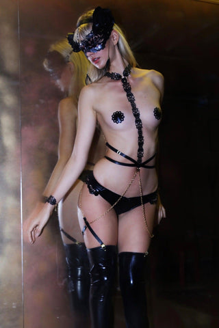 Latex Goddess harness and cuff with pasties gift set