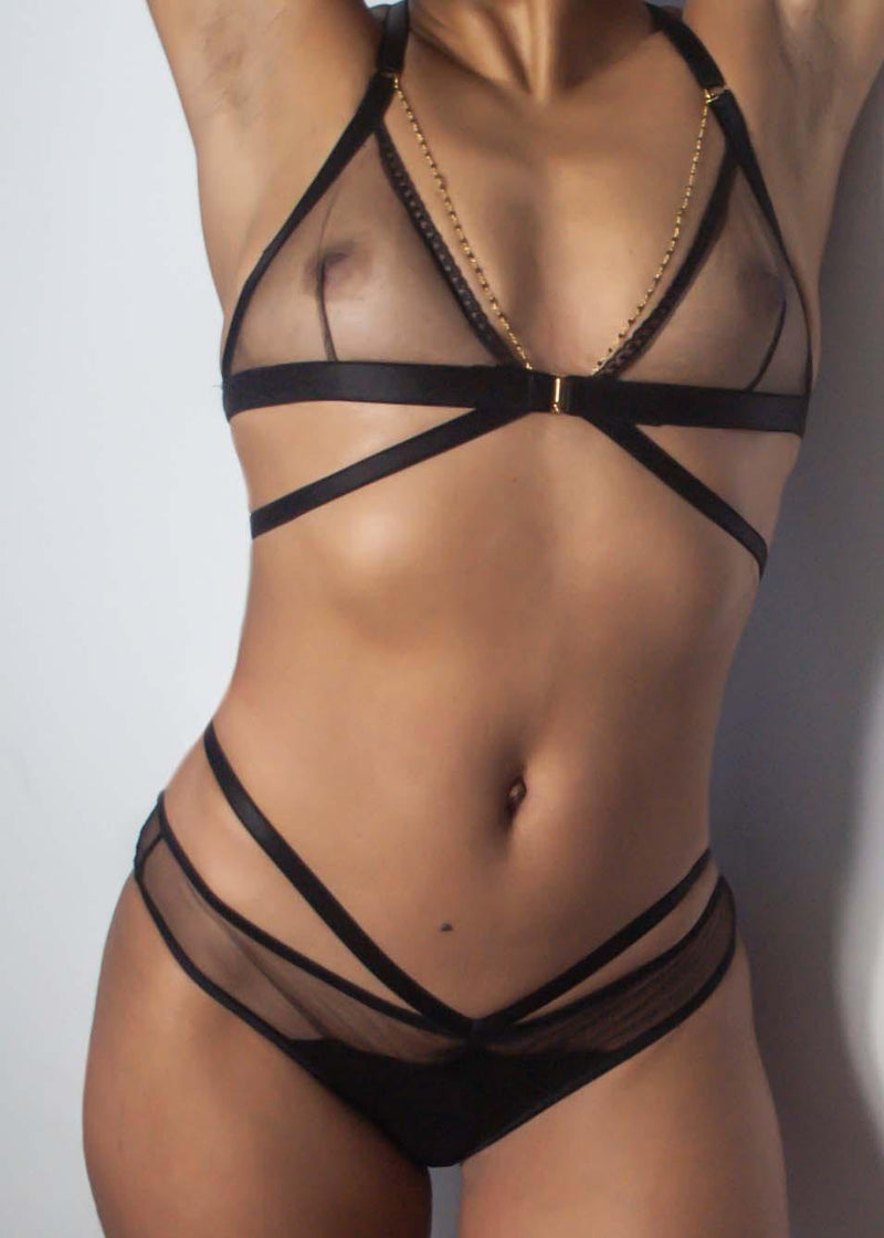 model wearing black lingerie, bralet and knickers, lingerie set,