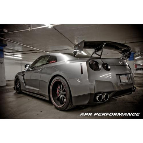 APR CF GTC-500 Adjustable Wing R35 2008+