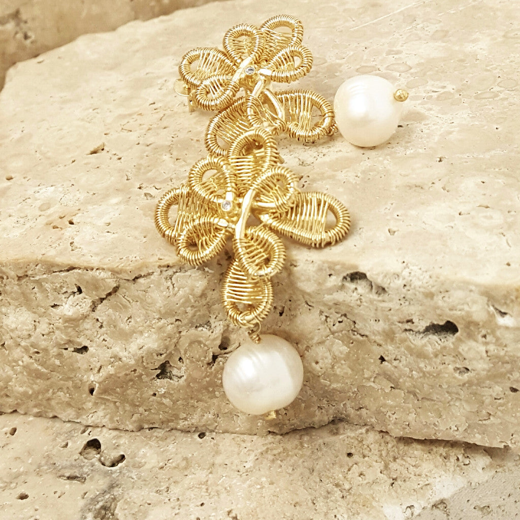 Pearls And Gold Earrings - SARAJANEaccessories - 1