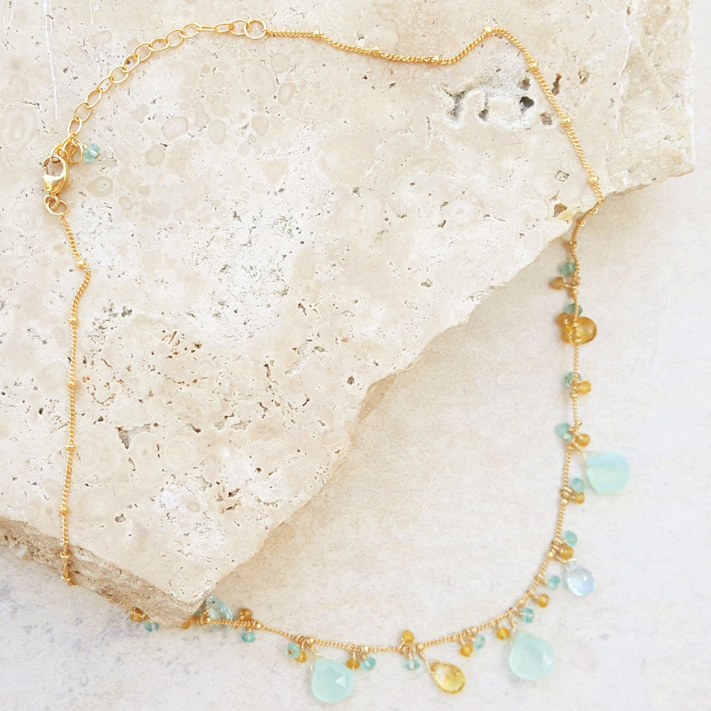 Feminine Mixed Stone Necklace - SARAJANEaccessories
