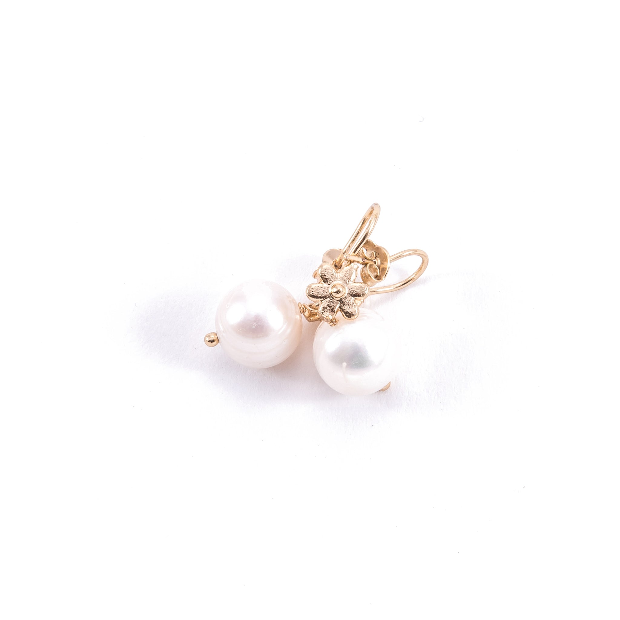 Pearl Earring With Gold Flower