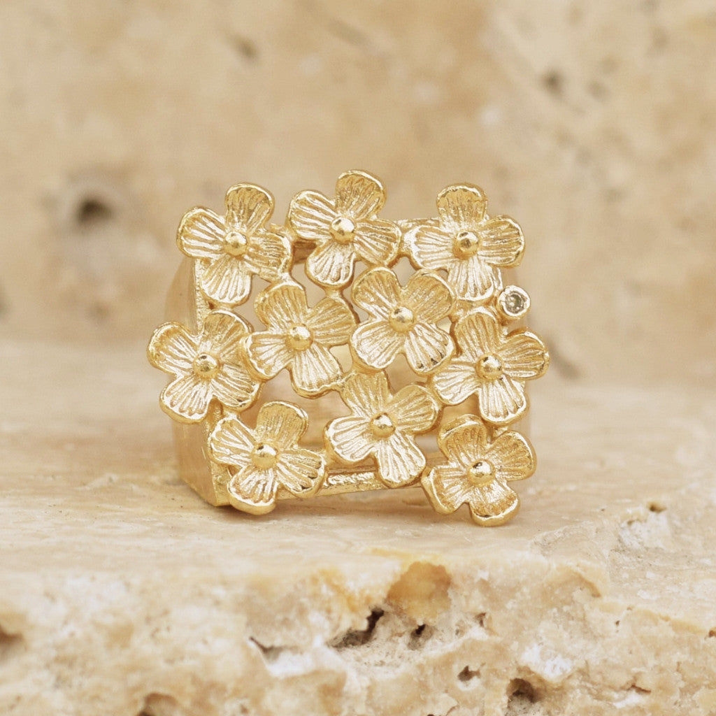 Gold Daisy Ring - SARAJANEaccessories