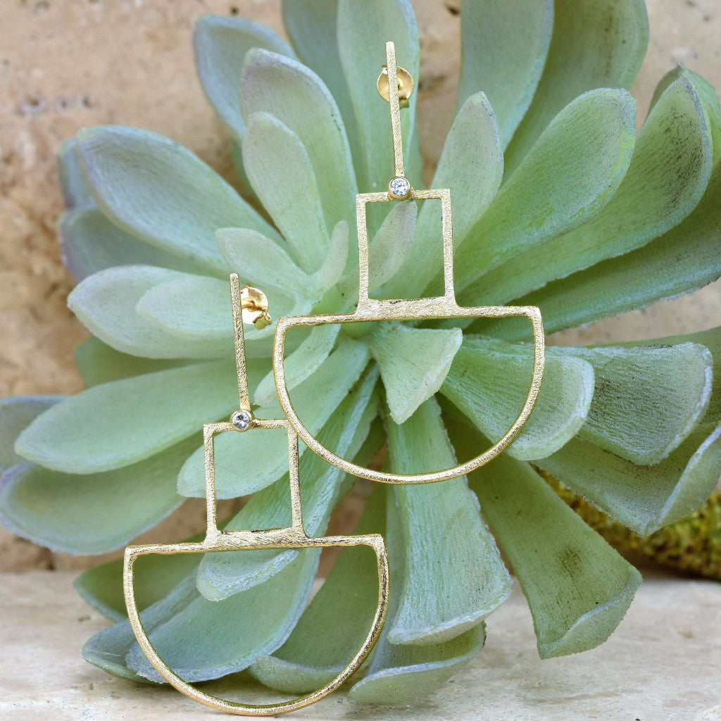 Gold Geometric Earring With CZ Chip - SARAJANEaccessories
