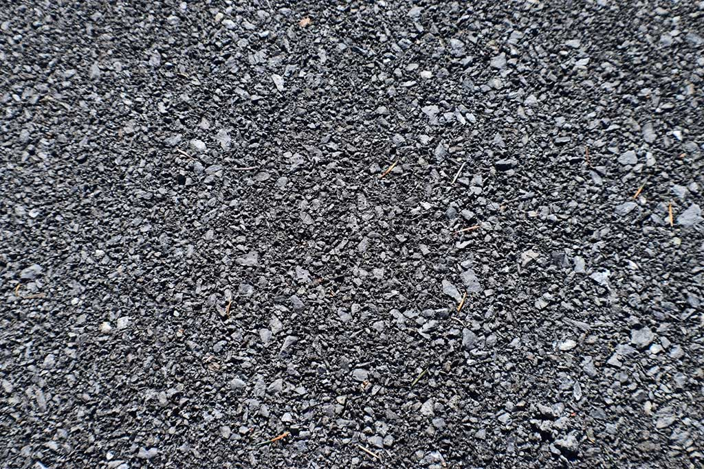Use angular crushed gravel with Lighthoof Panels for the best results.