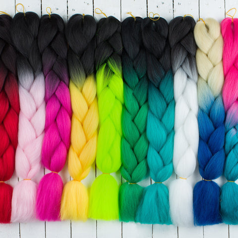 single tone jumbo braid hairs laid out showing colours