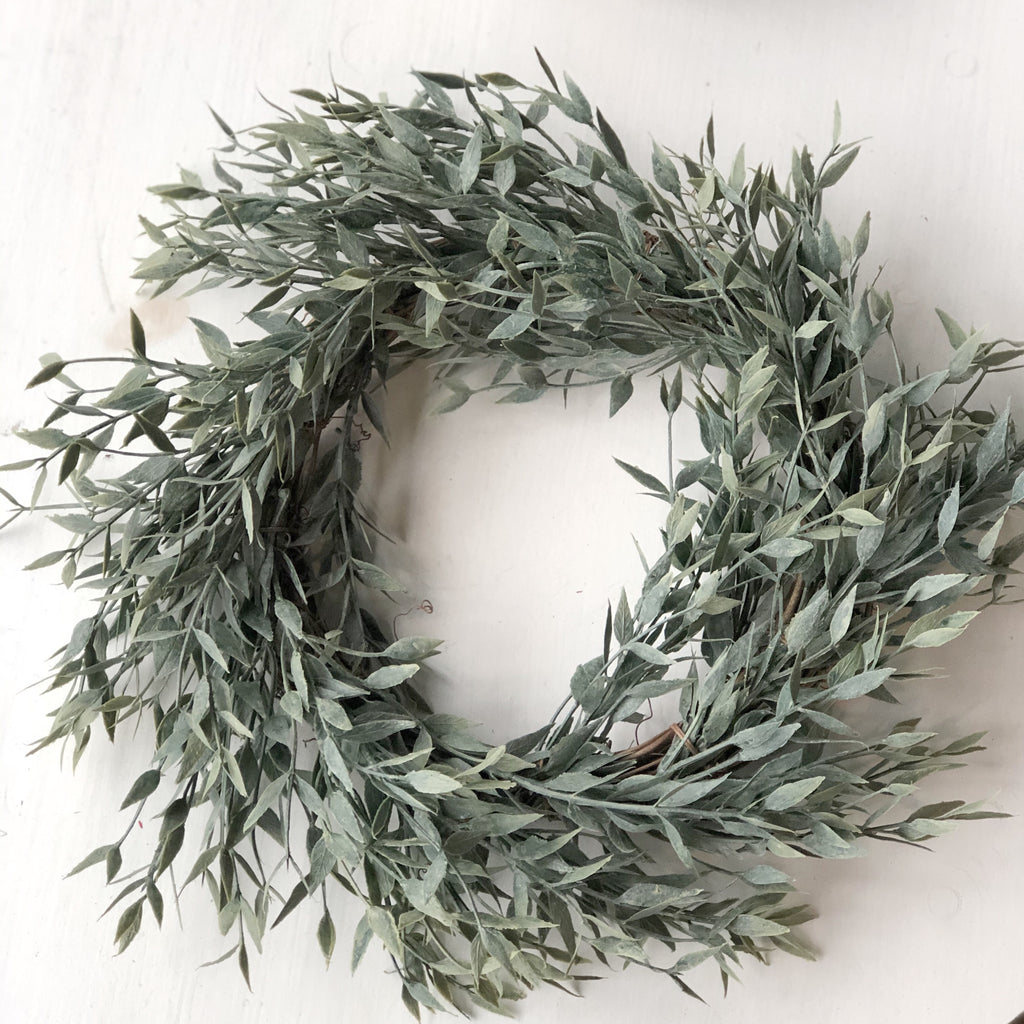 Dusty Ash Wreath, Medium