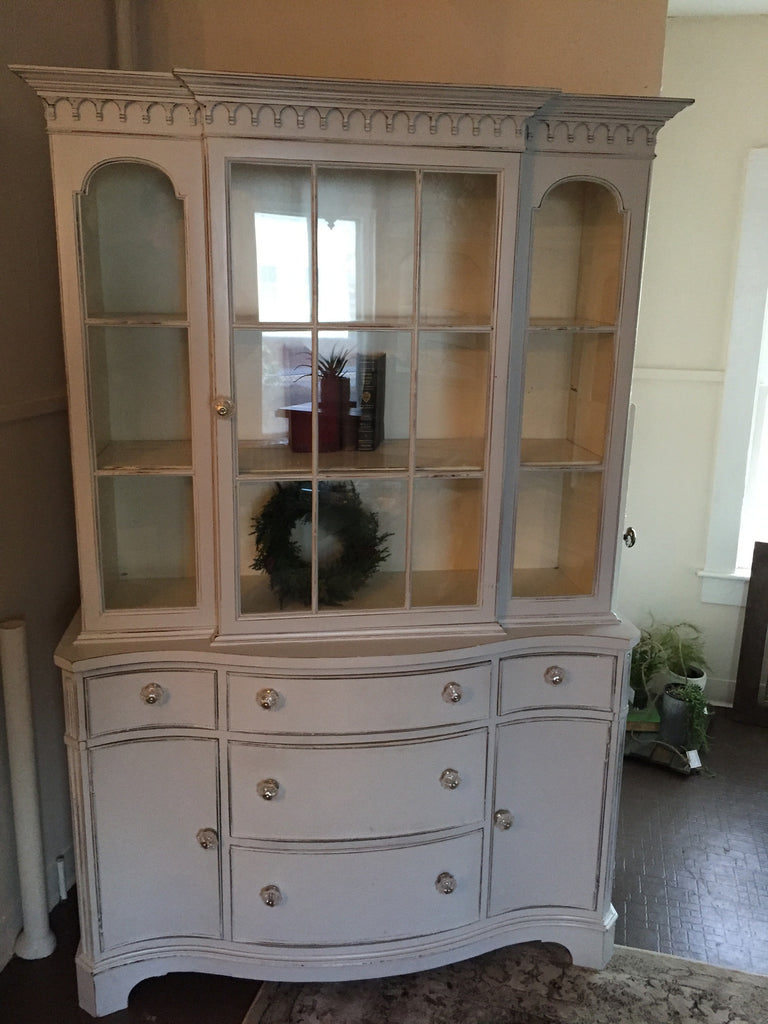 Gorgeous Cabinet in Paris Grey