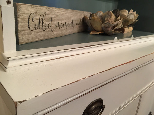 Cabinet in Vintage White with Beach Blue Interior