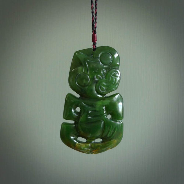 Green jade tiki pendant. Hand carved by Ross Crump. New Zealand jade tiki made in New Zealand.