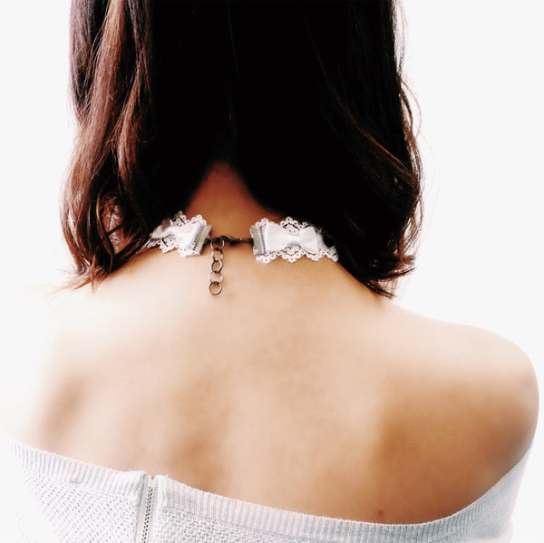 Chantilly Lace Bow Choker