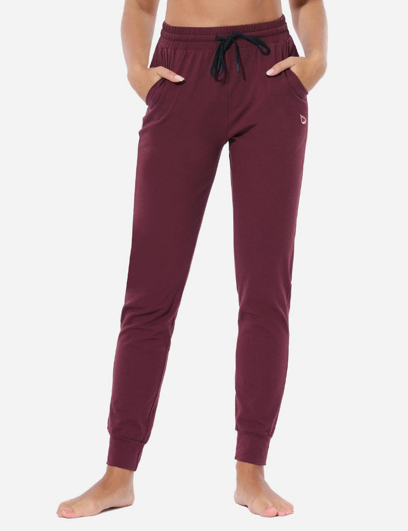 Baleaf Women's Loose-Fit Tapered Cuffs Pocketed Comfortable Joggers Burgundy Front