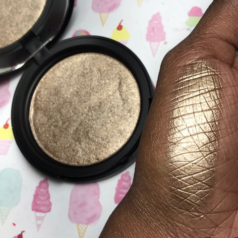 Golden Yellow Cake Highlighter