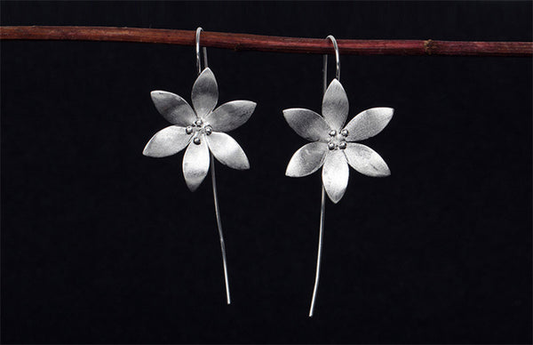 925 Sterling Elegant Flower Earrings - Awkward Turtle