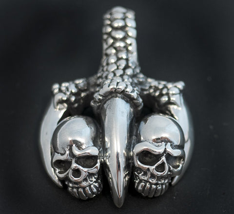 26g dragon claw skull pendant