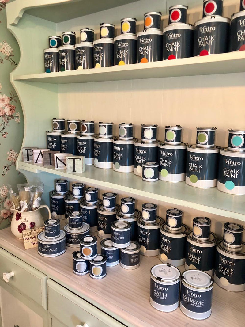 What a Brand new tin of Vintro chalkpaint looks like