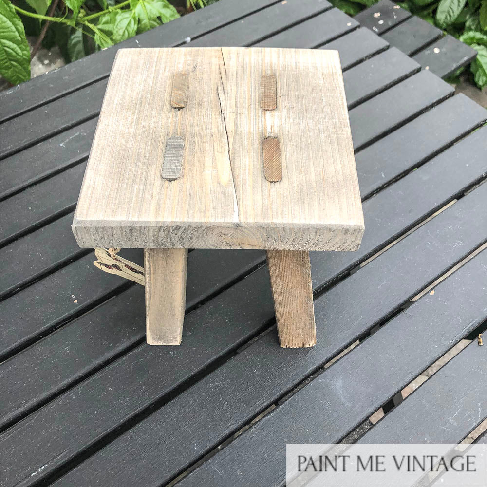 Wooden stool for displays