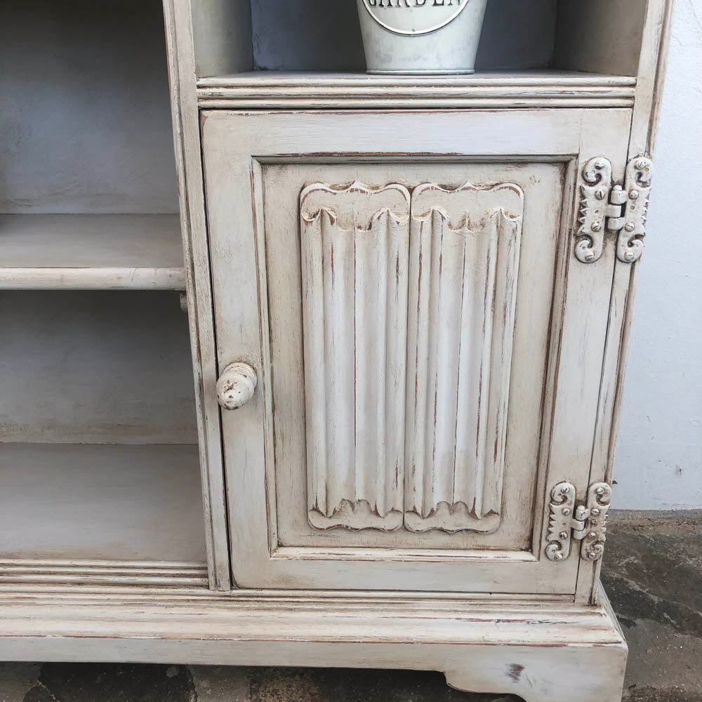 English Chrysler Shelf Unit - not available