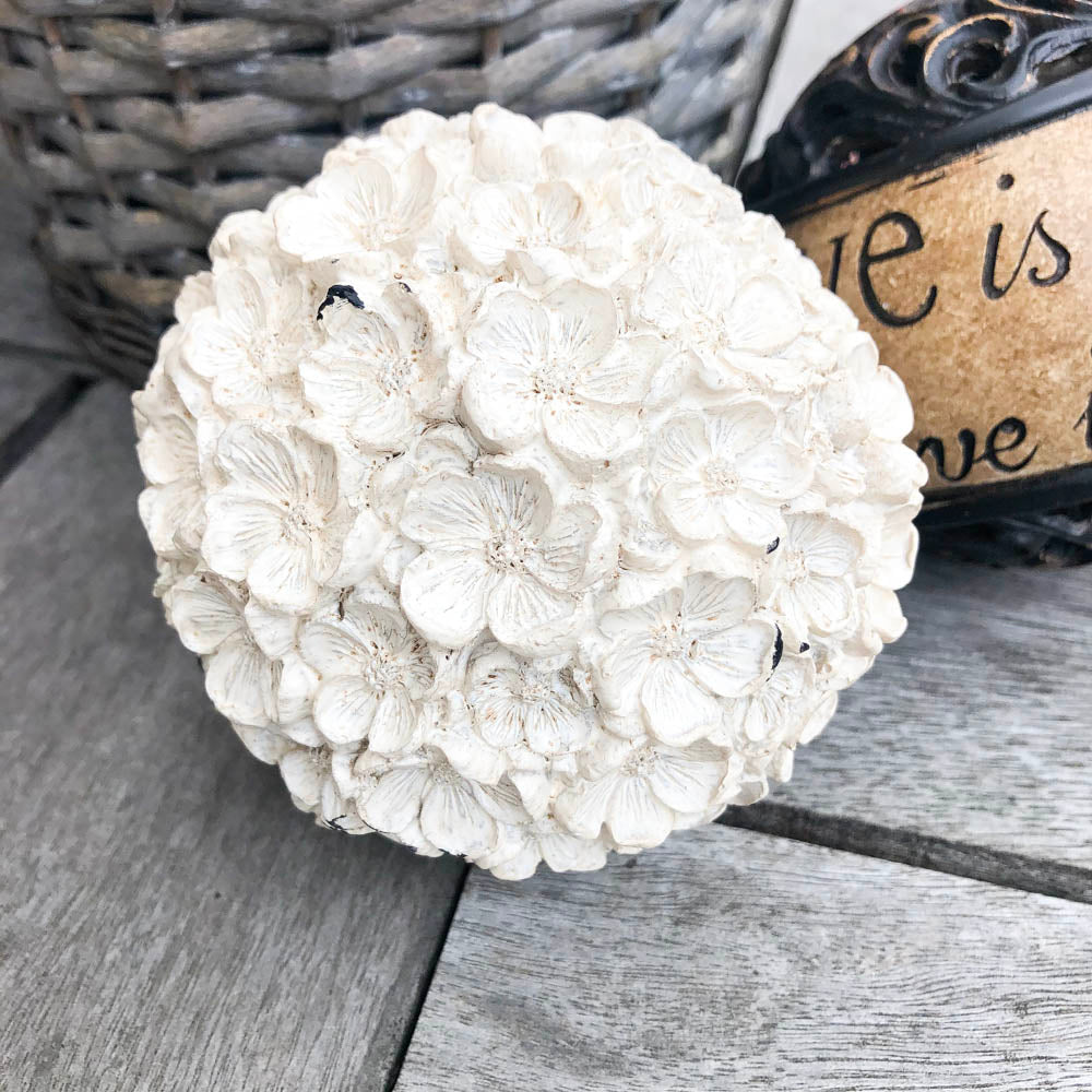 Hydrangea Ivory Decor Ball