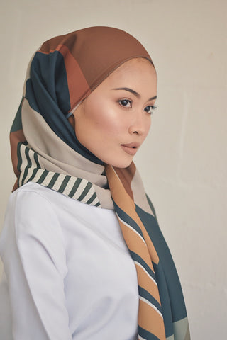 Arra in Silk (Preorder)
