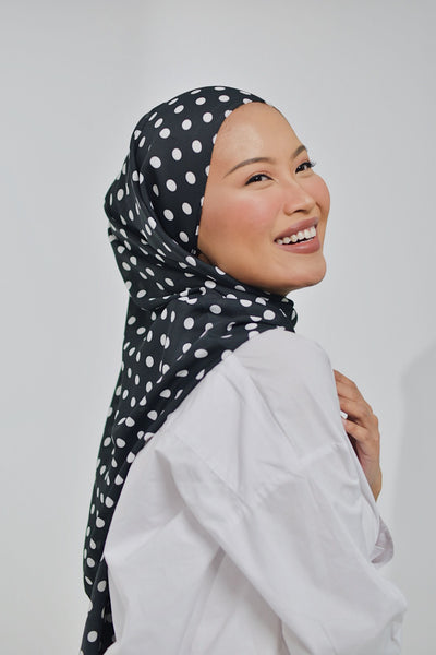 Agnès Black (Shawl)