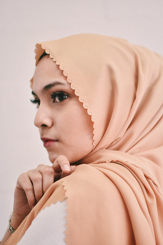 Glitter Latte Gold (Shawls) - New Colour