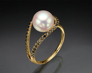 """B-Sol""- Floating Pearl & Diamonds Ring."