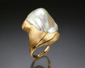 """Wave 2""- Keshi Baroque Pearl Ring."