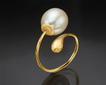 "Load image into Gallery viewer, ""Solas""- Pearl Twist Ring."