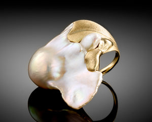 """Wave""- Keshi Baroque Pearl Ring."