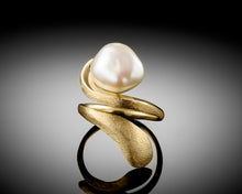 "Load image into Gallery viewer, ""Horizon""- Keshi Pearl Ring."