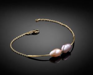 """Teardrops""- Pearls Soft Bracelet."