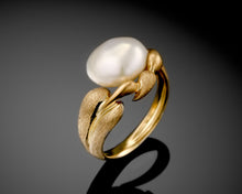 "Load image into Gallery viewer, ""Autumn""- Keshi Pearl Ring."