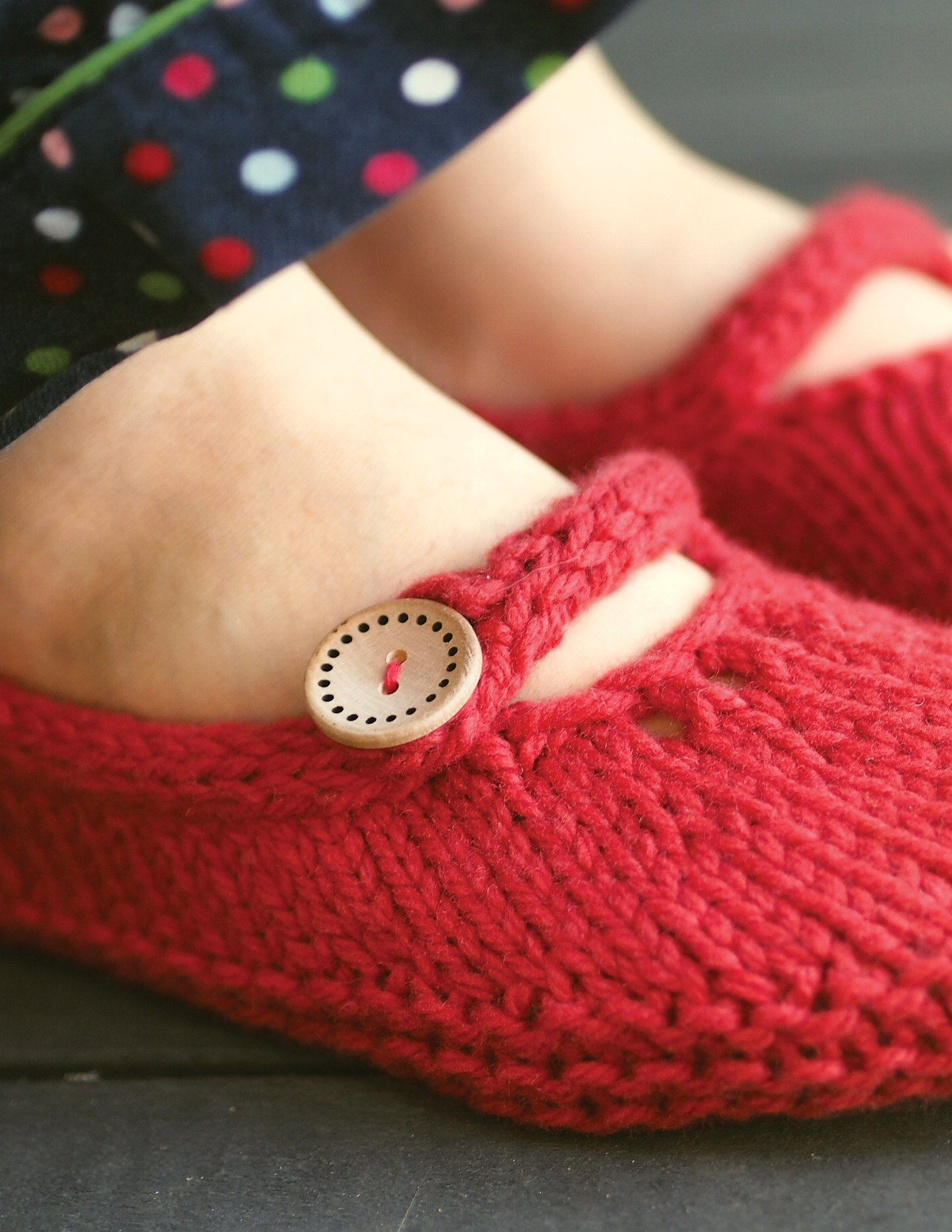 Not-so-Tiny Slippers Patterns Ysolda