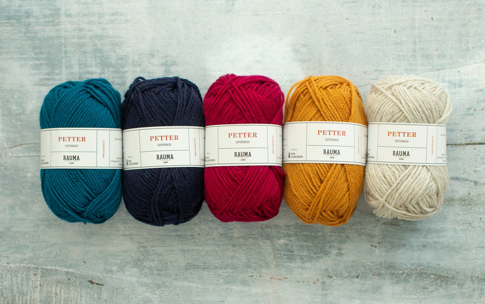 A row of 5 colours of Petter