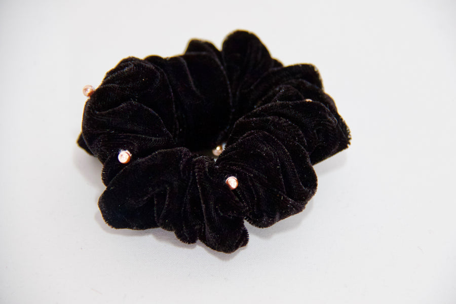 Velvet Scrunchie With Pearls