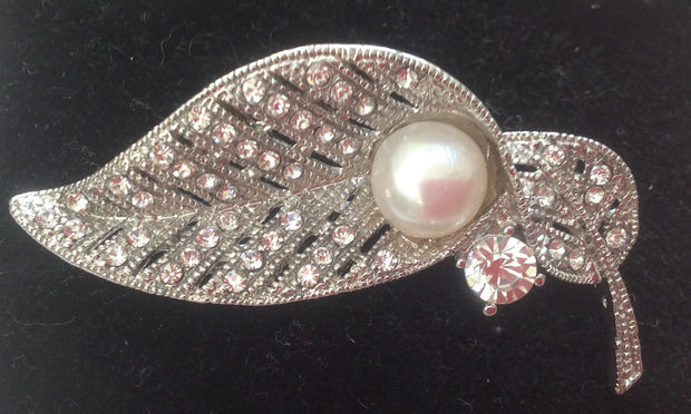 Pearl and diamonte Leaf Stock pin