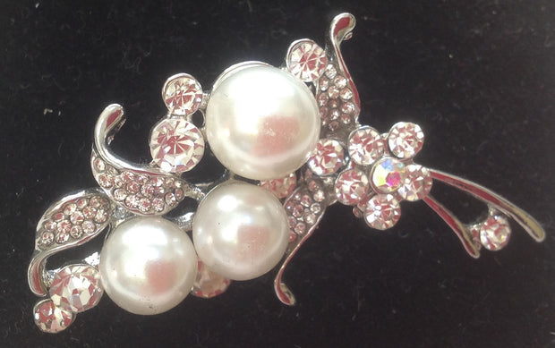 Crystal and Pearl stock pin