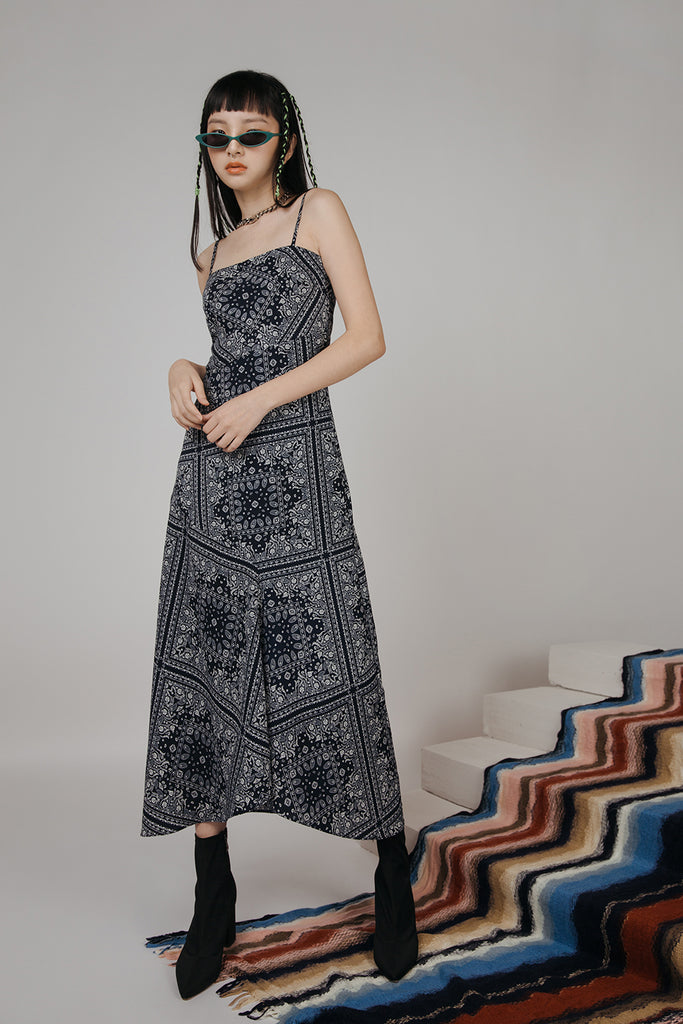 ANAKA PATCHWORK SLIP DRESS (NAVY)