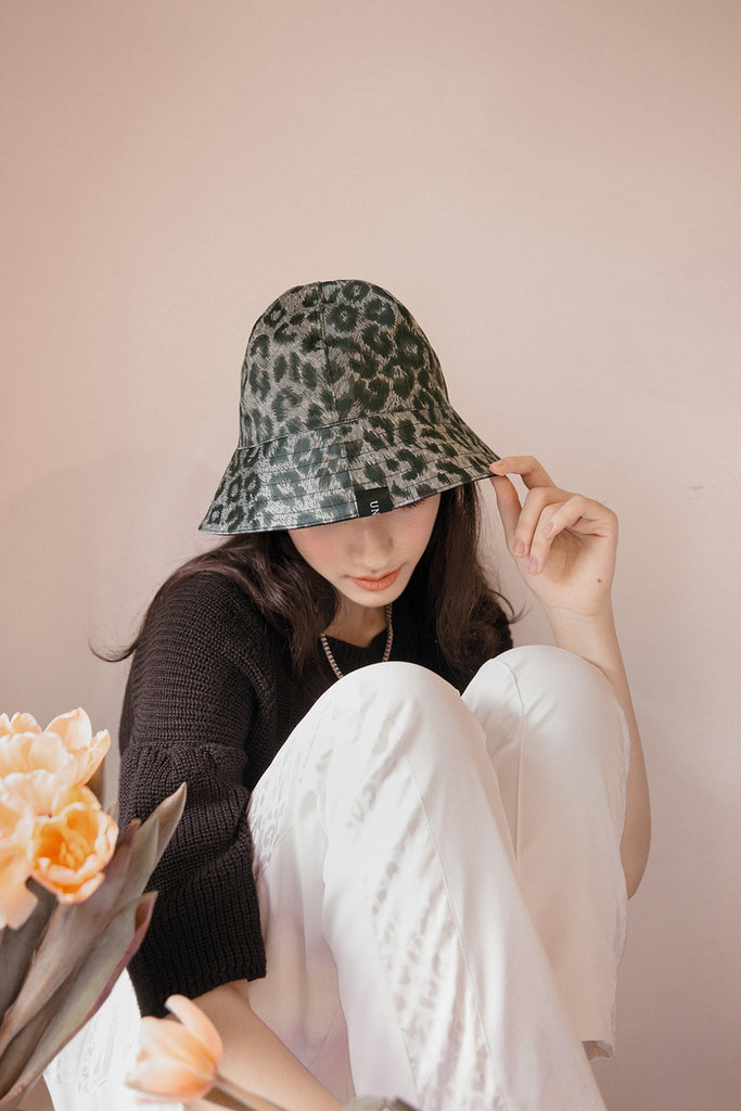 UNDA REVERSIBLE BUCKET HAT