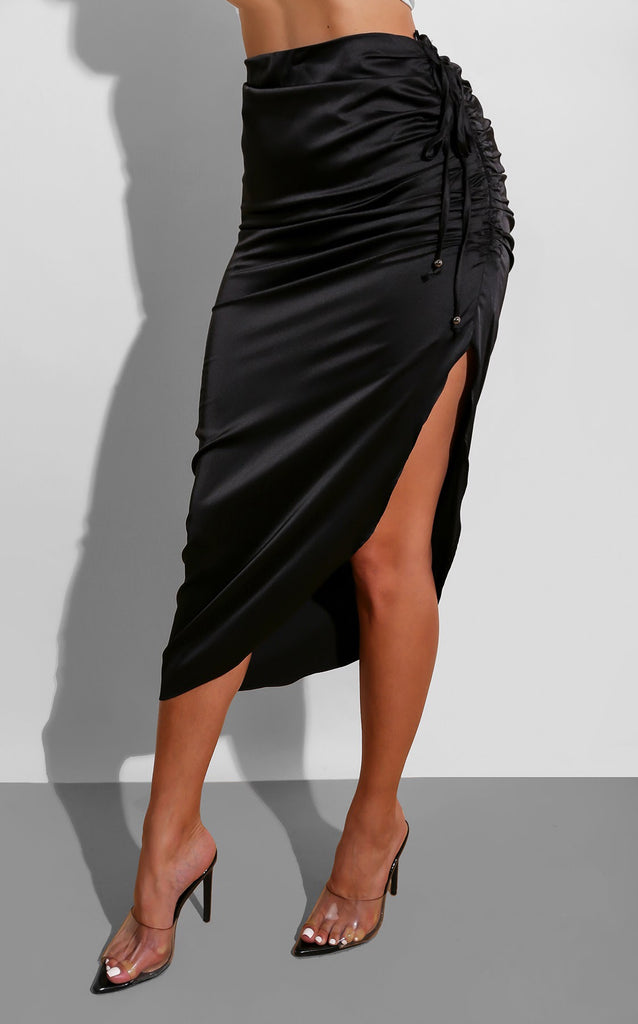 Silk Curves Skirt Black