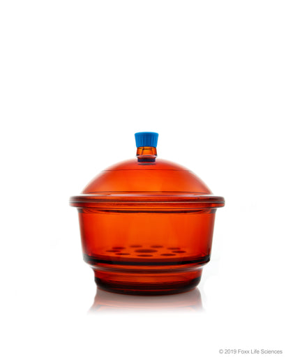 Borosil® Light Blocking Amber Glass Desiccator with Porcelain Plate and Borosilicate Lid with Plastic Knob, Medium (M), 250 mm Diameter, 1/EA