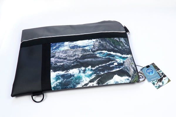 [U/A] Folio / Laptop –  Sea Cliffs
