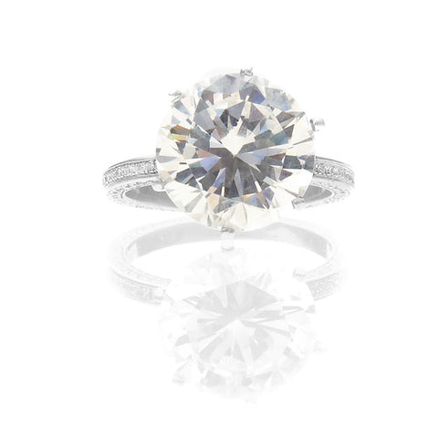 DIAMOND SOLITAIRE CENTER ENGAGEMENT RING