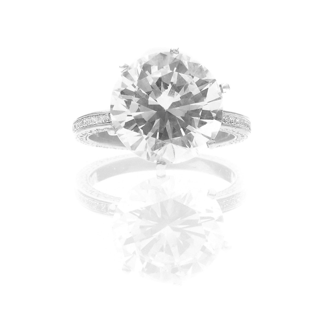 Yes - 5.50 Carats Diamond & Platinum Engagement Ring