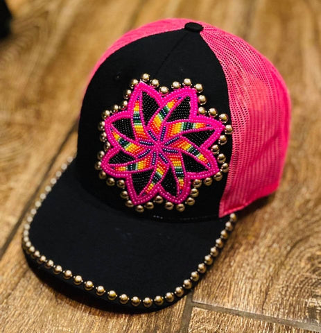 Multi pinwheel beaded hat