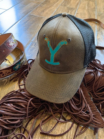 Chocolate/ black structured front Yellowstone hat with turquoise Y